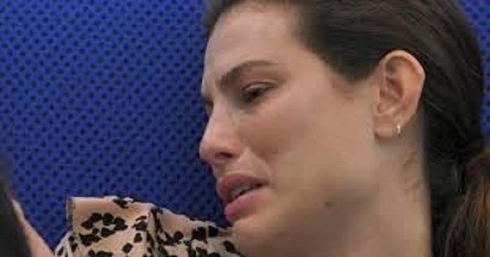 Dayane Mello molestata Le Iene pianto